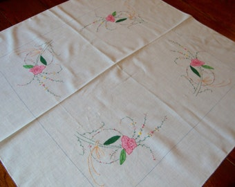 White Tablecloth Floral Embroidery and Appliqué Sheer White Tea Cloth Table Cover Vintage