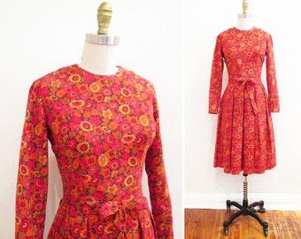 Vintage 1960s Dress   Bright Floral Print 1960s 50s Dress   size small   6D005