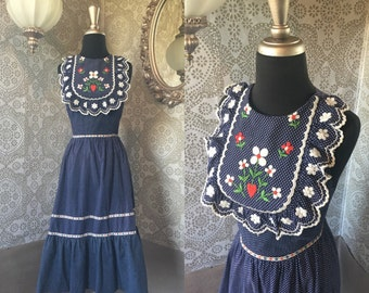 Vintage 1970's Vicky Vaughn Bib Front Sundress with Embroidery XS XXS