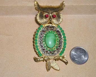 Vintage Owl Brooch With Red Rhinestones And Green Glass Cabochon 1960's Jewelry 147