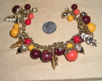 Vintage Loaded Thermo Set Acorn Charm Bracelet With Metal Oak Leaves 1960's Jewelry 2224