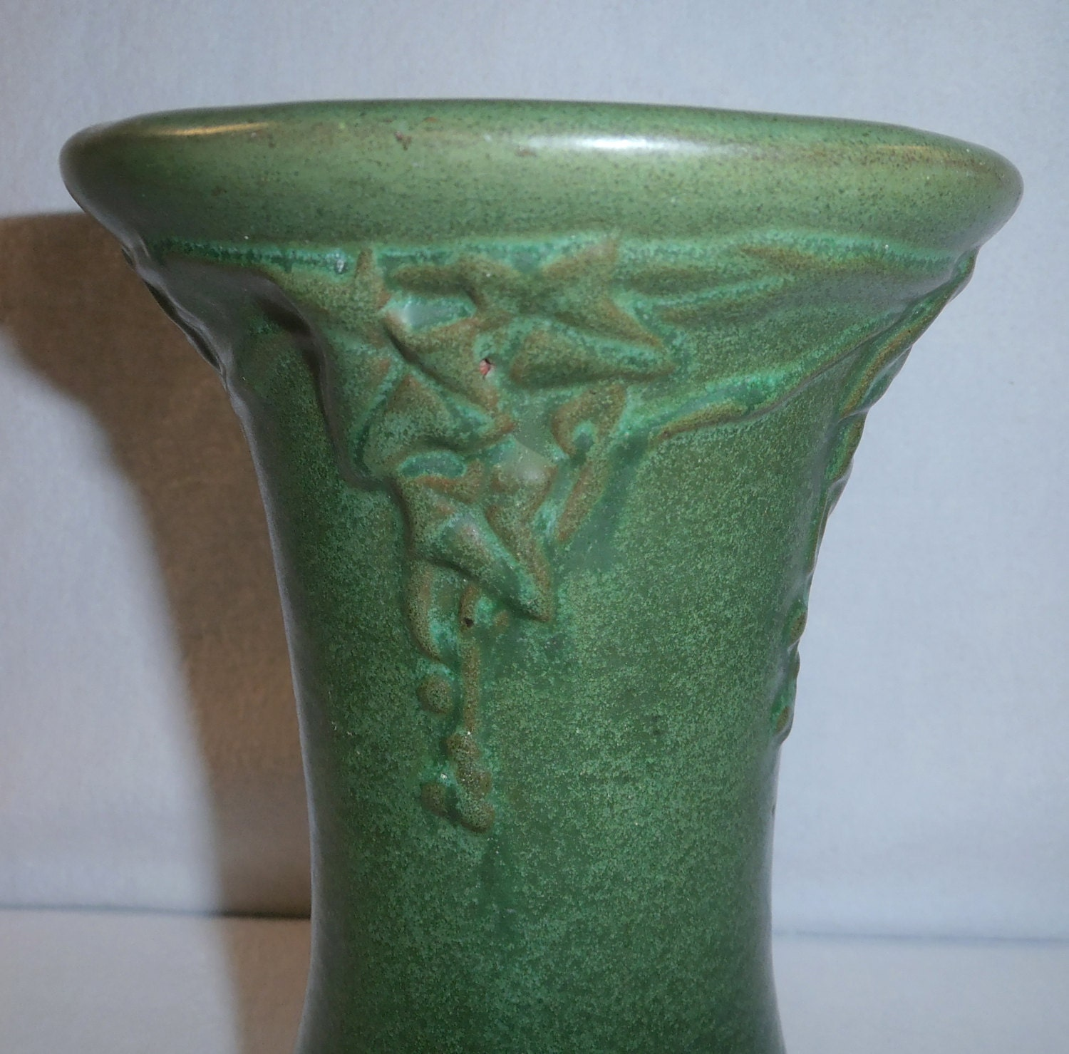 Peters and reed vase matte green pottery arts crafts vase for Arts and crafts vases pottery