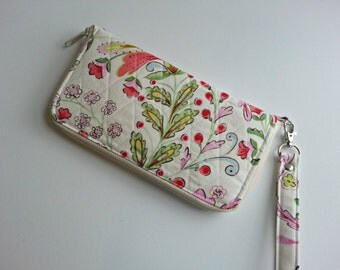 Zipper Zip Around Quilted Wristlet Wallet Carry all in Pretty Little Things Emma Floral Cream print