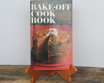 Vintage Pillsbury Bake Off Cookbook 18th Annual 1967