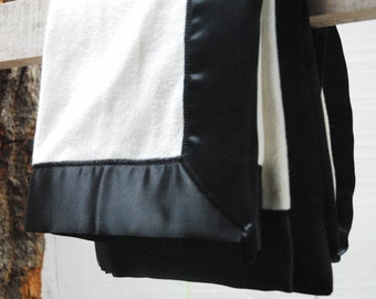 GOTS Organic Cotton Fleece Baby Blanket with Black Satin Trim
