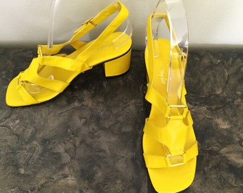 Italian LEATHER Vintage MOD 60s Gladiator Sandals Yellow Andante Lord & Taylor Shoes Chunky Block Heel Made Italy NOS Deadstock Mint 7-1/2 8