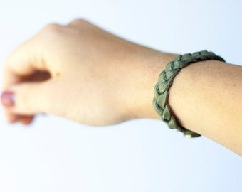 Braided Leather Bracelet / Fossil Grey