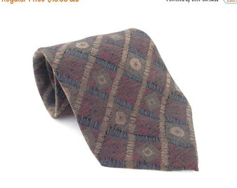 ON SALE Geoffrey Beene Silk Mens Necktie Made In the USA.  Muted colors Khaki, Blue, Red