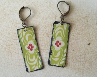 """Tin Jewelry Earrings """"Spring Green Morning"""" Tin for the Ten Year Tenth Wedding Anniversary"""
