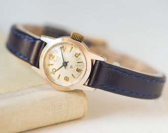 Tiny woman watch Era, lady's watch rare, gold shade lady's watch gift, female wristwatch retro, petite lady watch, premium leather strap new