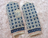 Big wool mittens. Handmade in Estonia. Hand knitted wool mittens. Blue and grey. Knitted patterned mittens. Warm mittens.