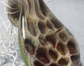 glass pendant with honeycomb texture