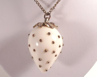 White Strawberry Pendant KJL Kenneth J Lane Necklace Gold Nubby Strawberry Seeds