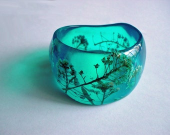 Handmade  Real White Flower Teal Color Resin Bangle