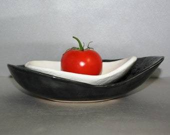 Black and White Stoneware Mid Century Modern nested kidney shaped bowls
