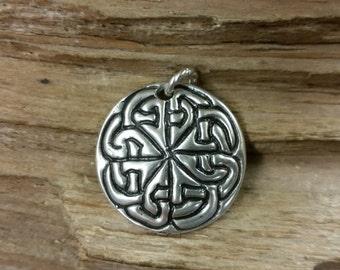 01.223.SV  -925 Silver Celtic knotwork Pendant