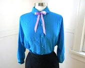 Sweet Blue 70s Secretary Blouse / Bow Blouse / Work Career Shirt / Peter Pan Collar Kawaii / Chiffon Blouse / Hipster Clothing MEDIUM