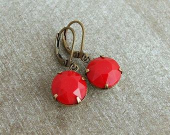 Red Glass Earrings .. deep red earrings, red drop earrings, crimson red earrings