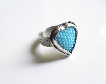 Heart ring, Sterling Silver Ring, blue heart ring, Vintage glass silver ring, Contemporary jewellery, Ring Size 7, anillo de plata y corazon