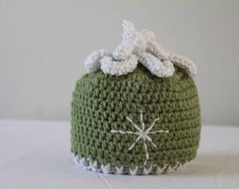 Crochet Hat - Children's Hat - Snowflake Hat - Newborn to 3 months - Winter Toboggan Hat