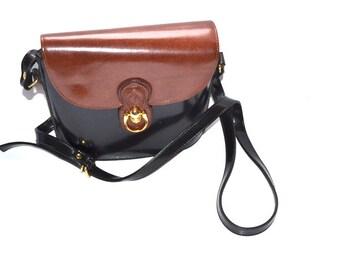 90s Pristine brown black  leather flap bucket bag  color block Satchel messenger shoulder crossbody Equestian  bag  Horse shoe