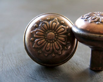 Vintage Flower Door Knob Set of 2