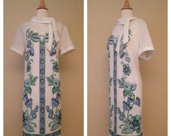 CLEARANCE Vintage 1960s Mod Floral Shift Dress - White with Blue and Green Print - Size XL Large