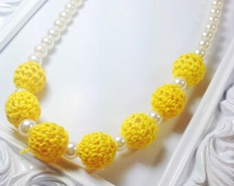Crochet necklace pearl chunky bead girl necklace yellow baby girl necklace stretchy string fabric flower women
