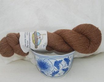 Medium brown alpaca/merino yarn