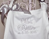 Apron, Personalized Apron, Monogrammed Apron, Custom Embroidered Apron, Chef Apron Personalized, Gift for Bride and Groom, Mr. and Mrs. Gift