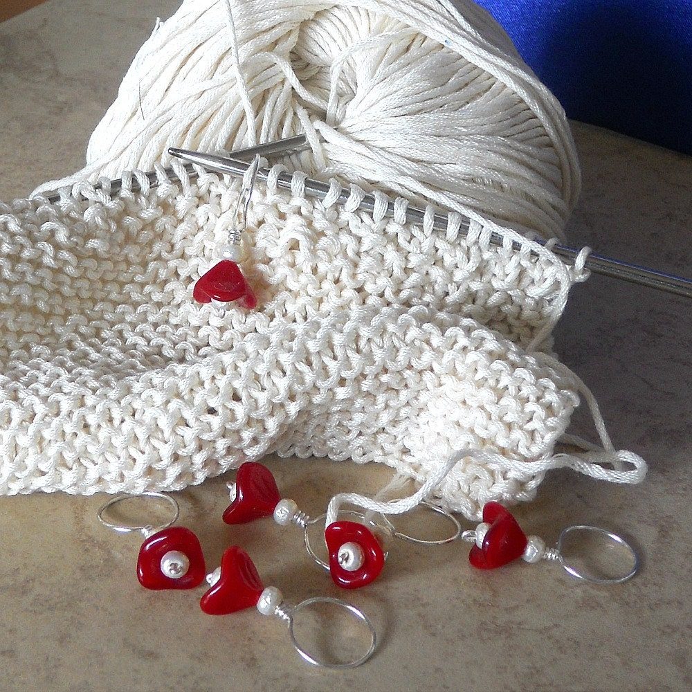 Using Stitch Markers In Lace Knitting : Cherry Red Flower Knitting Stitch Markers Knitting Markers