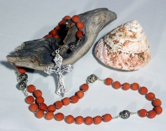 Rose Rosary Necklace, Rosewood Rosary, Traditional Rosary, Rose Scented Beads, Red Rosary, Cross Necklace, Wood Rosary, Wood Mala