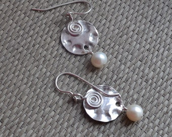 Contemporary Pearl & Silver Wavy Disc Drop Sterling Silver Earrings