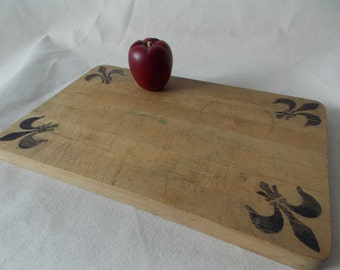 Vintage Primitive Large Bread Board / Cutting Board