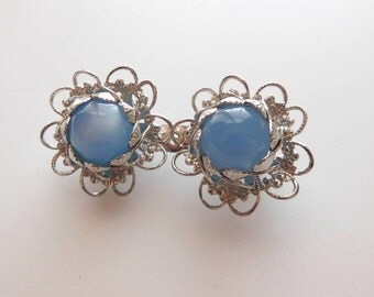 Vintage Baby Blue Moonglow Lucite Bead Silver Tone Filigree Flower Brooch Pin