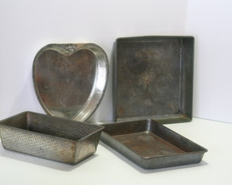 Vintage BAKE KING Bakeware Set of 4 Instant Collection Tin Dimple Pattern Envelope fold Corners Muffin Cake Brownie Pan Heart Shape Gift Set