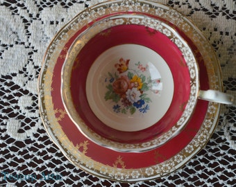 Aynsley Red and Gold Floral Teacup and Saucer Set, English Bone China Tea cup, ca. 1939