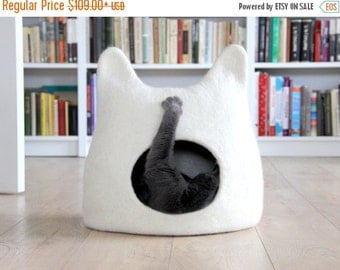 SALE Cat bed - cat cave - cat house - eco-friendly handmade felted wool cat bed - natural white - made to order - Christmas gift