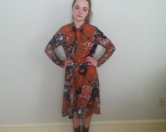 1960s secretary dress . mod dress . size small