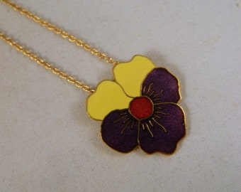 Vintage Sarah Coventry Bright Flower Necklace / 1970s Goldtone Pendant Necklace in the Original Box New Old Stock Vintage Jewelry