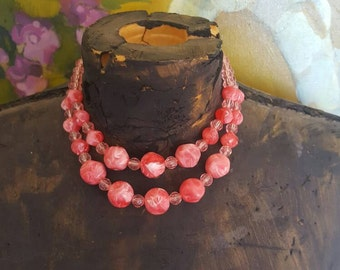 Retro Coral Pink Beaded Necklace