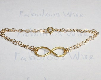 Gold Infinity Bracelet, Hammered 14K Gold Filled Wire Infinity Jewelry, Love and Friendship Bracelet, Bridesmaid Wedding Gifts
