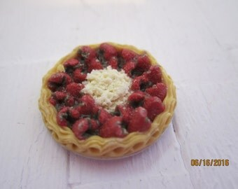 Miniature Strawberry Pie     Free Shipping
