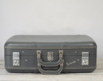 Vintage Large Globester Suitcase Luggage Dark Gray With Key Good Cond.