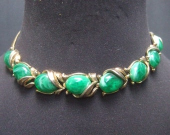 TRIFARI Elegant Green Cabochon Choker Necklace c 1960