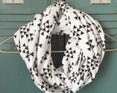 Infinity Scarf: White & Black Triangles Jersey