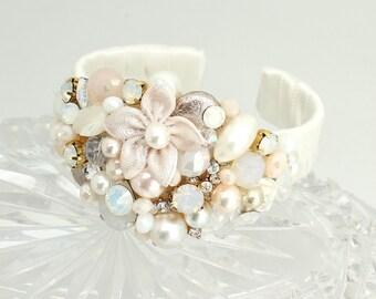 Bridal Cuff Bracelet- Blush Wedding Cuff- Wedding Statement Bracelet- Pink pearl Bracelet- Blush Bridal Bracelet- Rose Gold Bridal Cuff