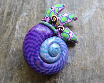 Amonite Brooch - Violet/Lime Green