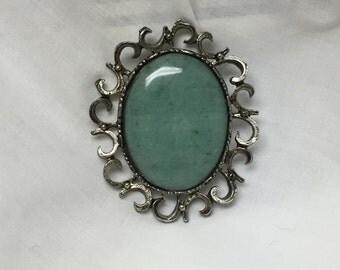 silvertone and aventurine brooch 30 x 40 cabochon