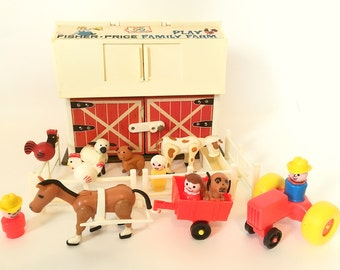 Vintage Fisher-Price Play Family Farm Set #915 Little People